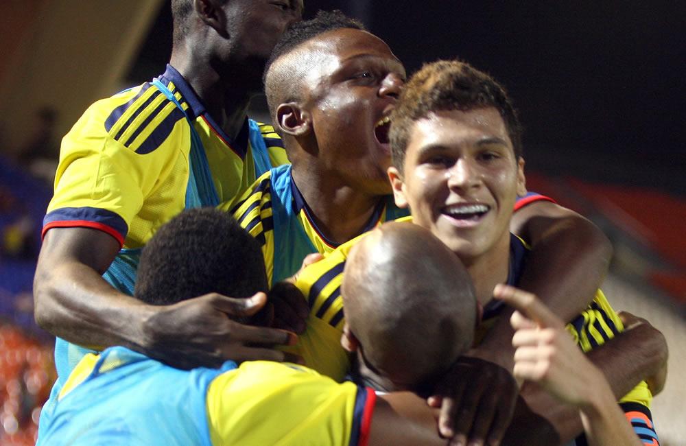 Los jugadores de Colombia celebran un gol marcado. Foto: EFE