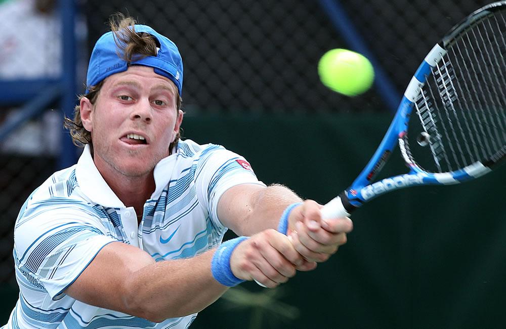 El tenista uruguayo Ariel Behar ante el colombiano Alejandro Falla. Foto: EFE