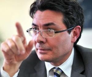 Reforma a la salud se hizo de afán: Ministro Gaviria