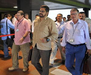 """FARC niegan que exista acuerdo de un """"banco de tierras"""""""