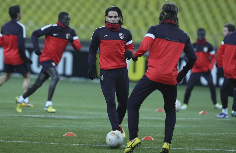 El delantero colombiano Radamel Falcao García en un entrenamiento en Moscú. Foto: EFE