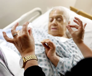 Yoga diseñado para pacientes con Alzheimer