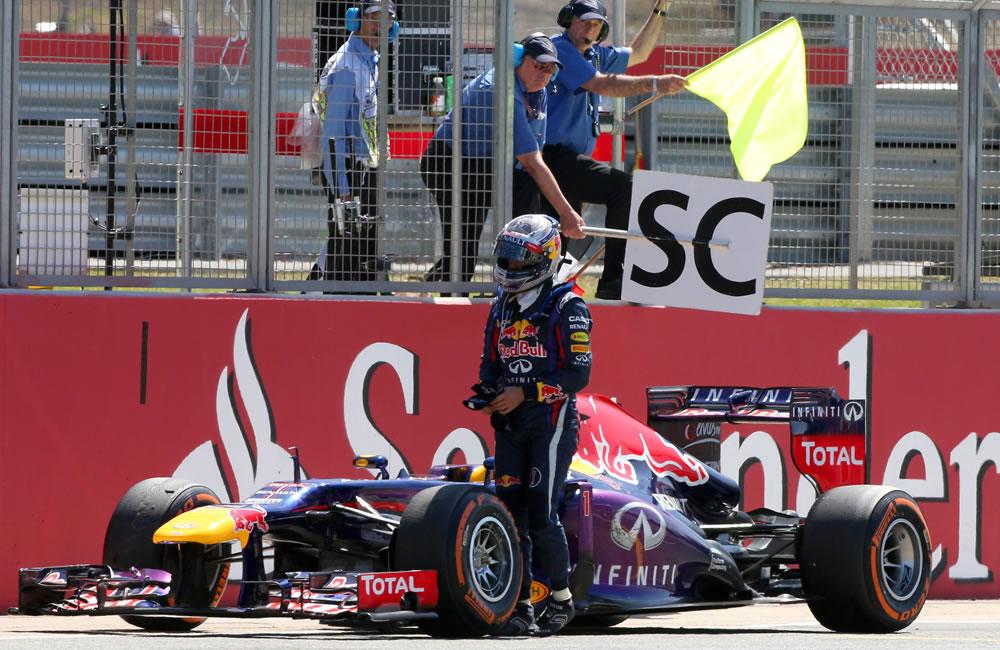 El retiro del piloto alemán Sebastián Vettel durante el Gran Premio de Gran Bretaña. Foto: EFE