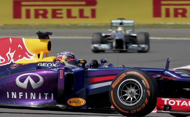 El piloto alemán de Red Bull, Sebastian Vettel, a bordo de su monoplaza en Silverstone. Foto: EFE