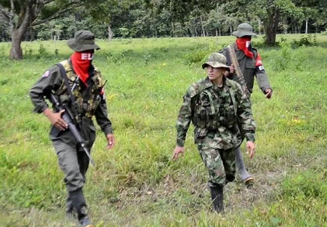 ELN entrega a misión humanitaria a militar colombiano secuestrado