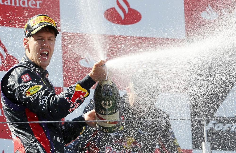 Celebración del piloto alemán tras coronarse campeón del Gran Premio de Alemania. Foto: EFE