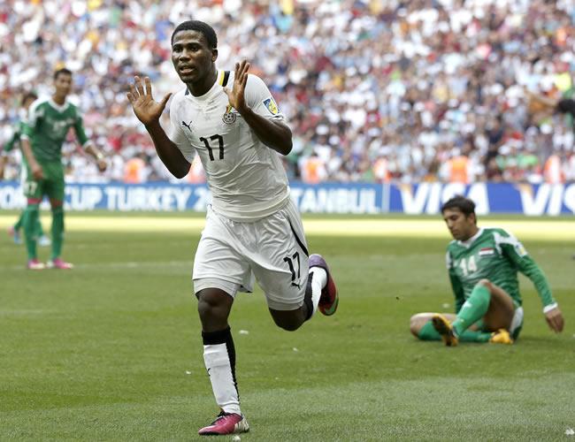 Ebenezer Assifuah de Ghana celebra su gol marcado contra Irak. EFE