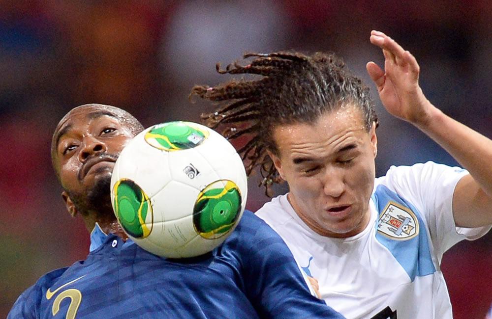 Francia se corona desde el punto penal sobre Uruguay