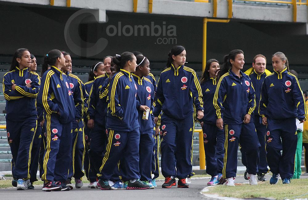 Las jugadoras de la Selección Colombia femenina Sub-17 fueron espectadoras del partido. Foto: Interlatin