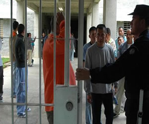 Colombia inicia un plan piloto para erradicar la tuberculosis de cárceles