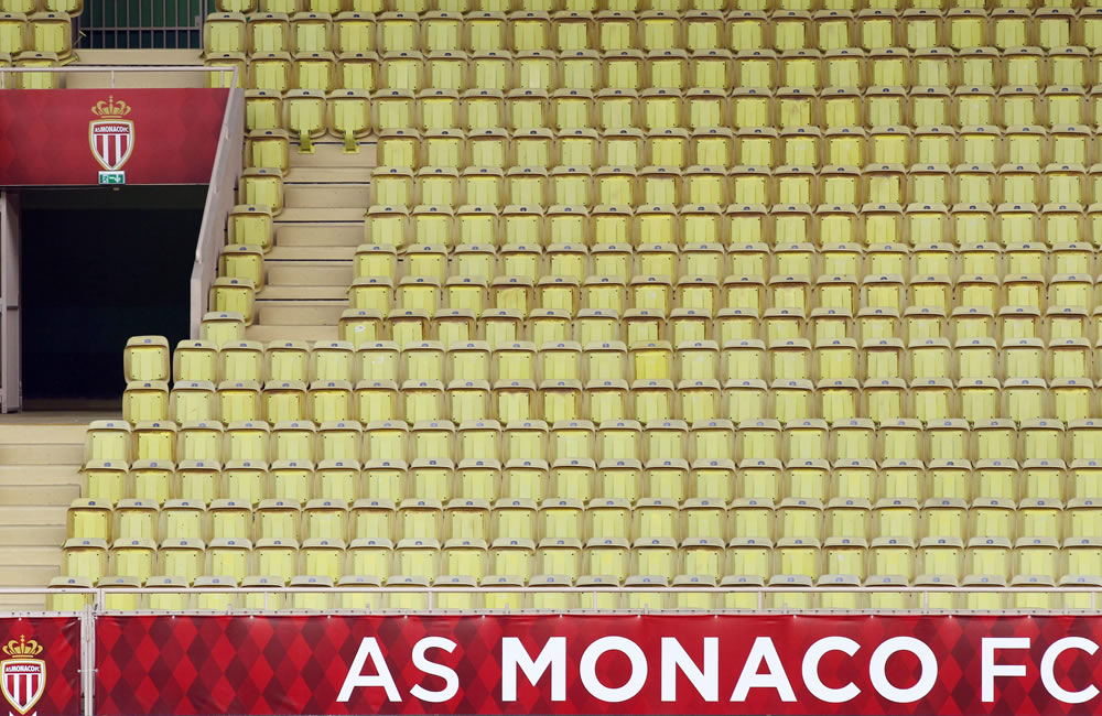 Tribuna vacía del estadio Luis II de Mónaco. Foto: EFE