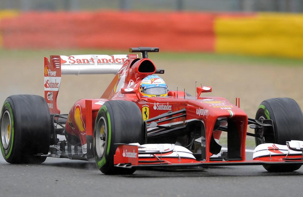 El piloto español Fernando Alonso durante la clasificación del Gran Premio de Bélgica. Foto: EFE