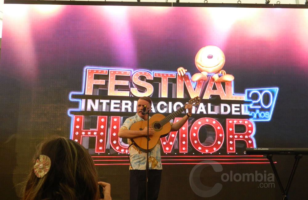"""El humorista Álvaro Lemmon """"El hombre caimán"""" presente en el Festival Internacional del Humor. Foto Alejandra Fontecha e Ivon Herrera"""