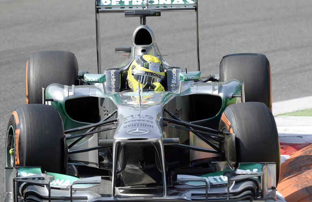 Vettel prolonga la tiranía de Red Bull