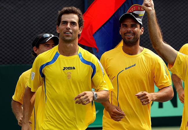 Santiago Giraldo (i) y Alejandro Falla (d), tenistas colombianos que conforman el equipo de Copa Davis. Foto: EFE