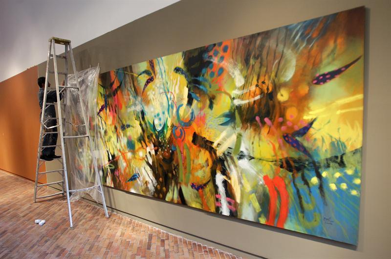 El pintor indígena de Colombia, Carlos Jacanamijoy. EFE