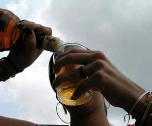 El consumo de alcohol, asociado a riesgos de padecer cáncer de mama