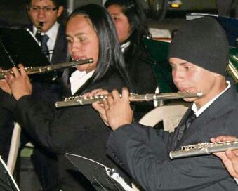 Jóvenes colombianos combaten con música la violencia callejera