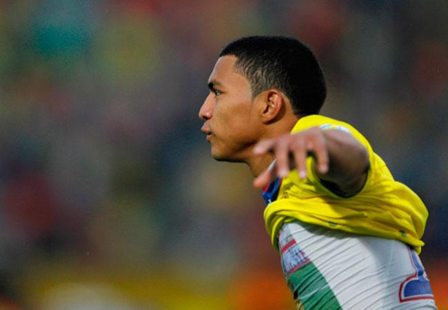 El jugador de la selección de Ecuador Jefferson Montero celebra su gol ante Uruguay. Foto: EFE