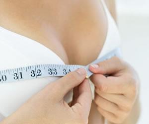 La Hipertrofia mamaria por tamaño de las prótesis mamarias