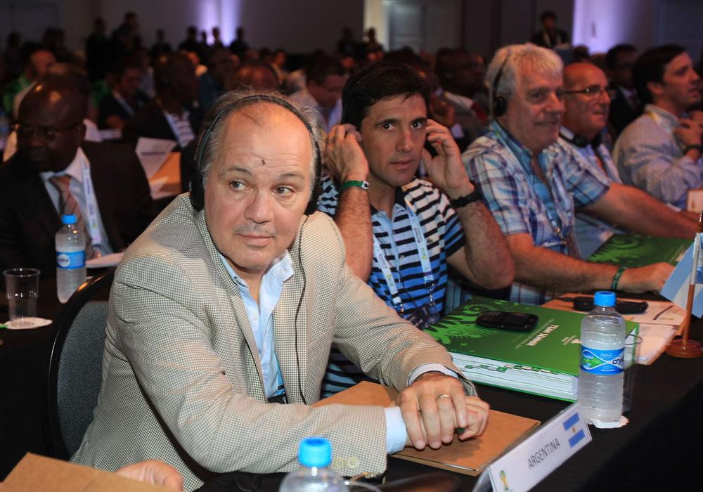 El DT de la selección argentina de fútbol, Alejandro Sabella (i), participa un seminario en Costa de Sauípe, Bahia (Brasil). Foto: EFE
