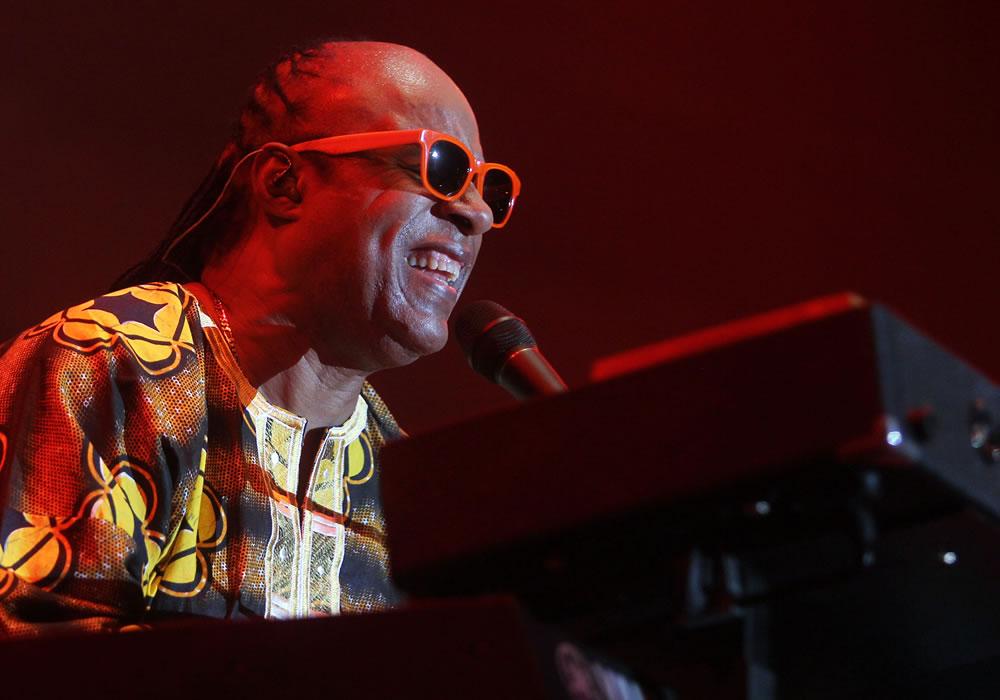 Stevie Wonder conquista Sao Paulo y da su homenaje a Mandela