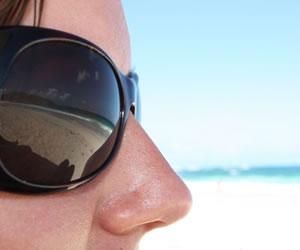 La importancia de la protección solar de los ojos en vacaciones