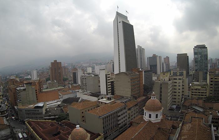 Vista del edificio Coltejer en Medellín. Foto: Shutterstock