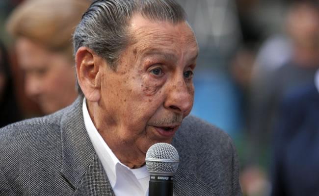 """Superviviente del """"Maracanazo"""" recibirá copa de la FIFA en Uruguay. Foto: EFE"""