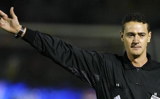 UEFA, CONMEBOL y CONCACAF, confederaciones que más árbitros tendrán en Brasil. Foto: EFE