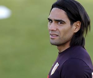 Colombia lamenta la lesión de Falcao y espera un milagro en su recuperación