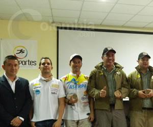 Motociclistas colombianos relatan su vivencia en el Rally.