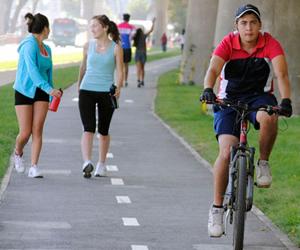 Jóvenes prefieren actividades al aire libre para combatir estrés