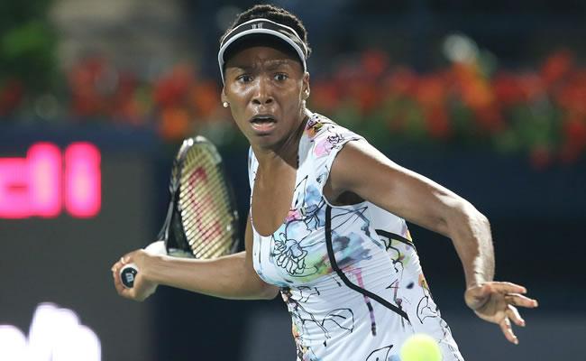 Venus Williams gana 15 puestos, su hermana Serena sigue al frente