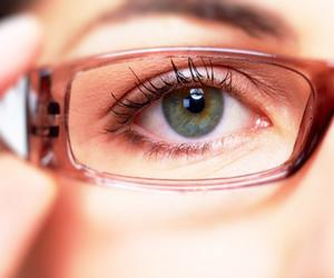 Causas de problemas visuales en las mujeres son prevenibles