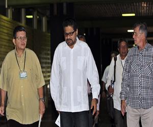 Los diálogos de paz retoman el tema de drogas ilícitas y buscan acuerdos