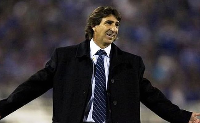 Gustavo Costas empezará a trabajar con el plantel el 26 de mayo. Foto: EFE