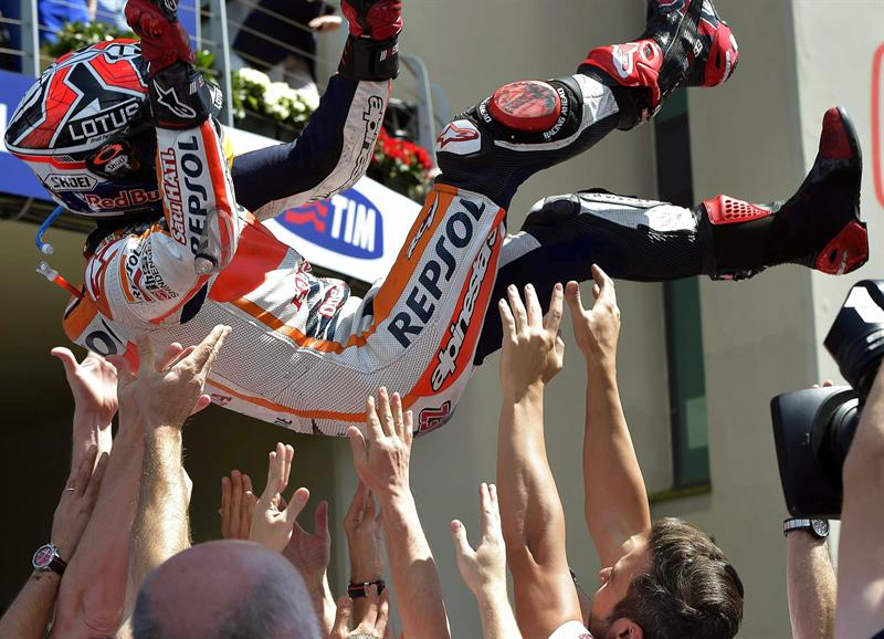 El piloto español Marc Márquez se coronó campeón del Gran Premio de Italia. Foto: EFE