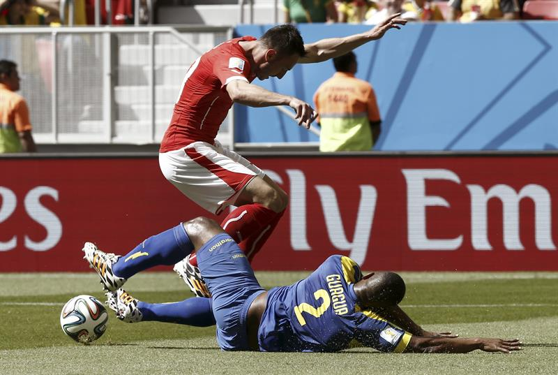 Suiza gana a Ecuador con un gol en la prolongación