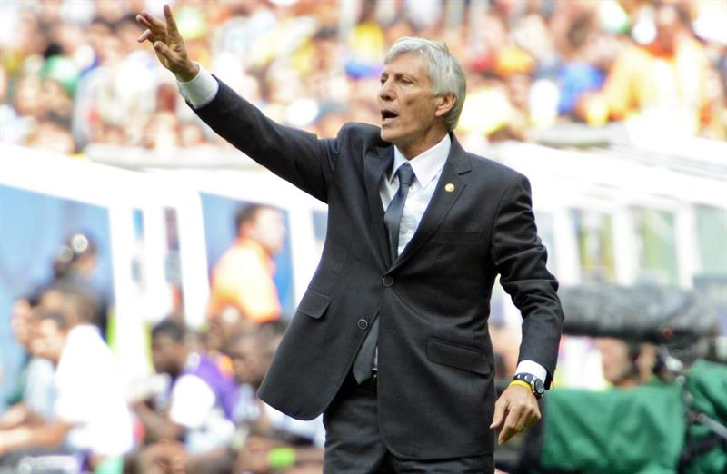 Colombia's Argentine head coach Jose Pekerman gestures during the FIFA World Cup 2014 group C