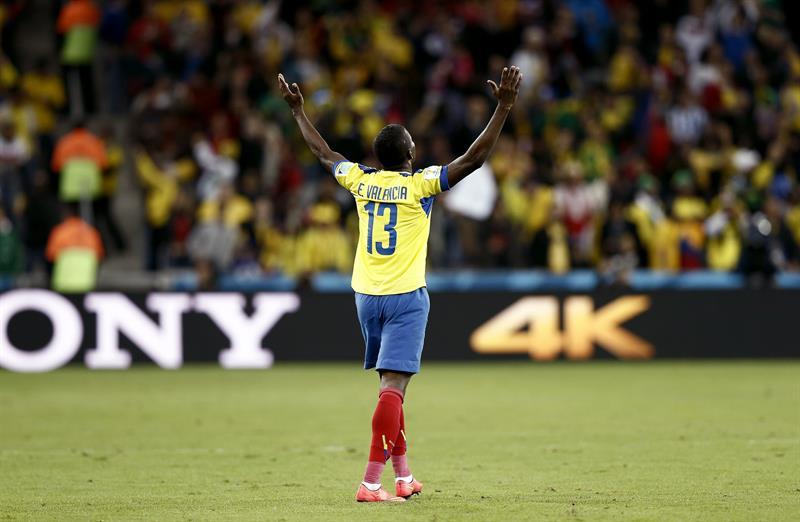Ecuador, con un doblete de Enner Valencia, derrotó 2-1 a Honduras, que descontó con Carlo Costly. Foto: EFE