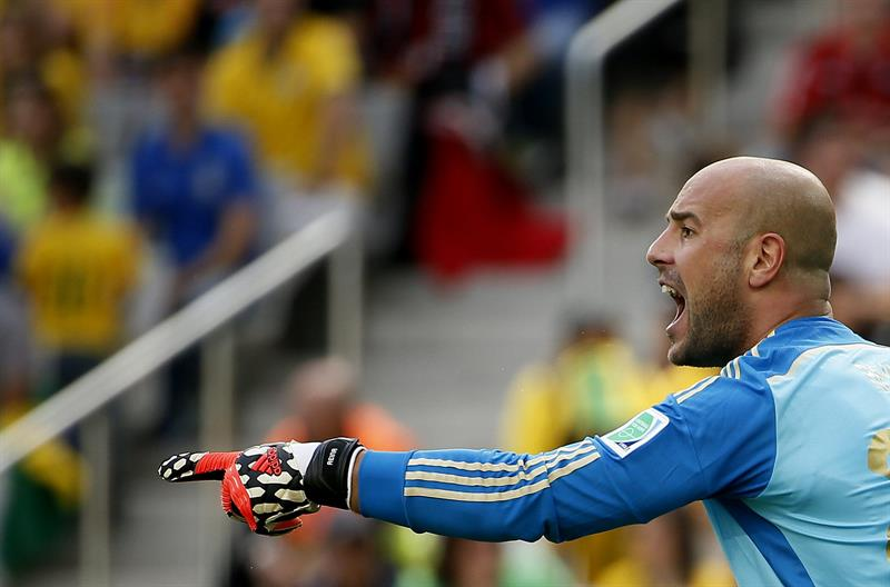 El guardameta español Pepe Reina durante el partido Australia-España, del Grupo B del Mundial. Foto: EFE