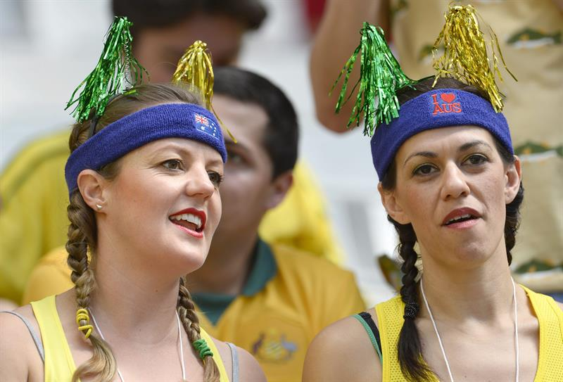 Supporters of Australia cheer prior to the FIFA World Cup 2014 group B. Foto: EFE