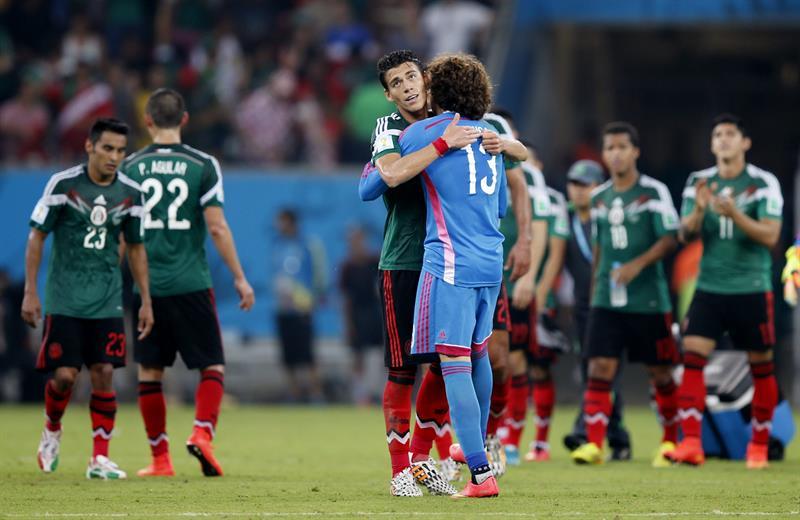 Los jugadores de México al finalizar el partido Croacia-México, del Grupo A del Mundial de Fútbol de Brasil 2014. Foto: EFE