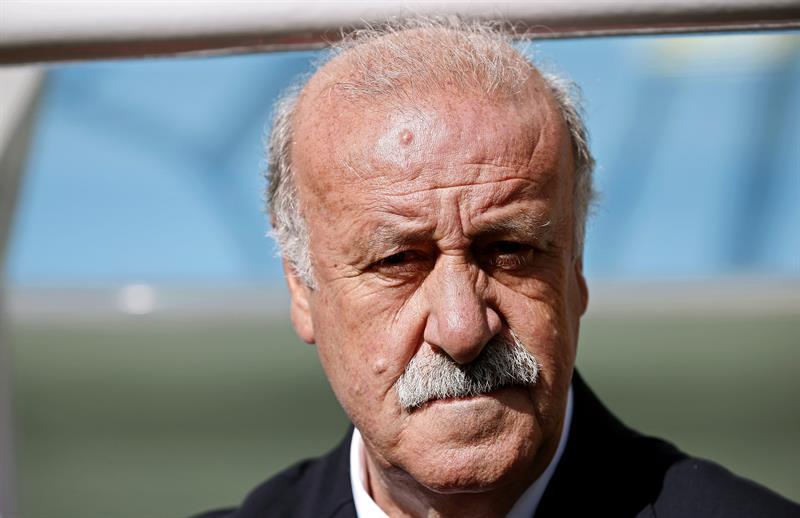 El seleccionador español, Vicente del Bosque durante el partido Australia-España, del Grupo B. Foto: EFE