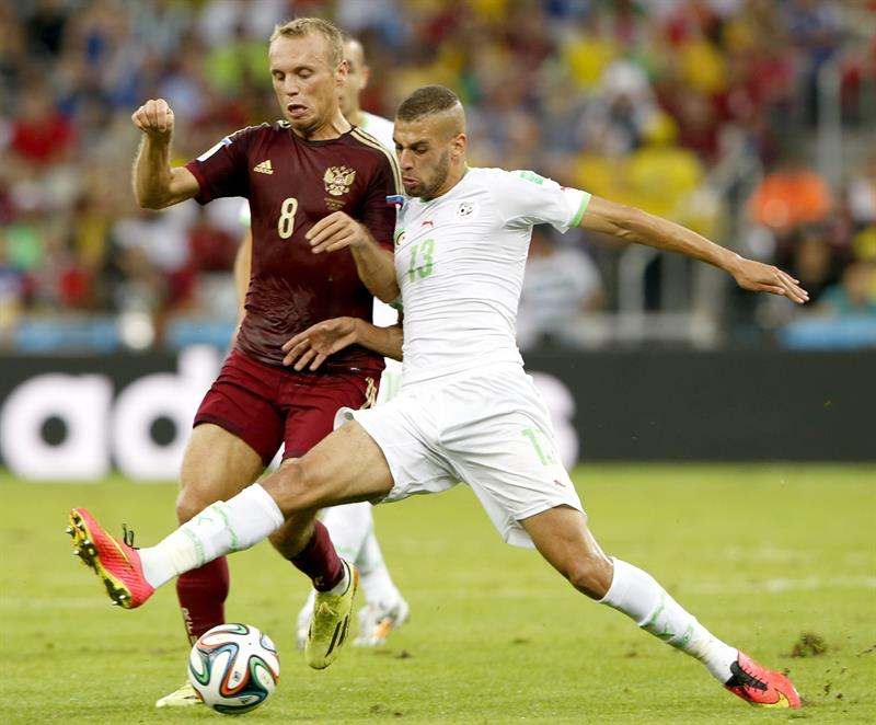 Slimani mete a Argelia en octavos y elimina a Rusia. Foto: EFE