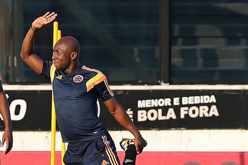 El jugador de la selección Colombia Pablo Armero participa en un entrenamiento en el estadio de Sao Januario. Foto: EFE