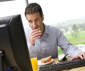 Conozca los efectos negativos de ser adictos al trabajo