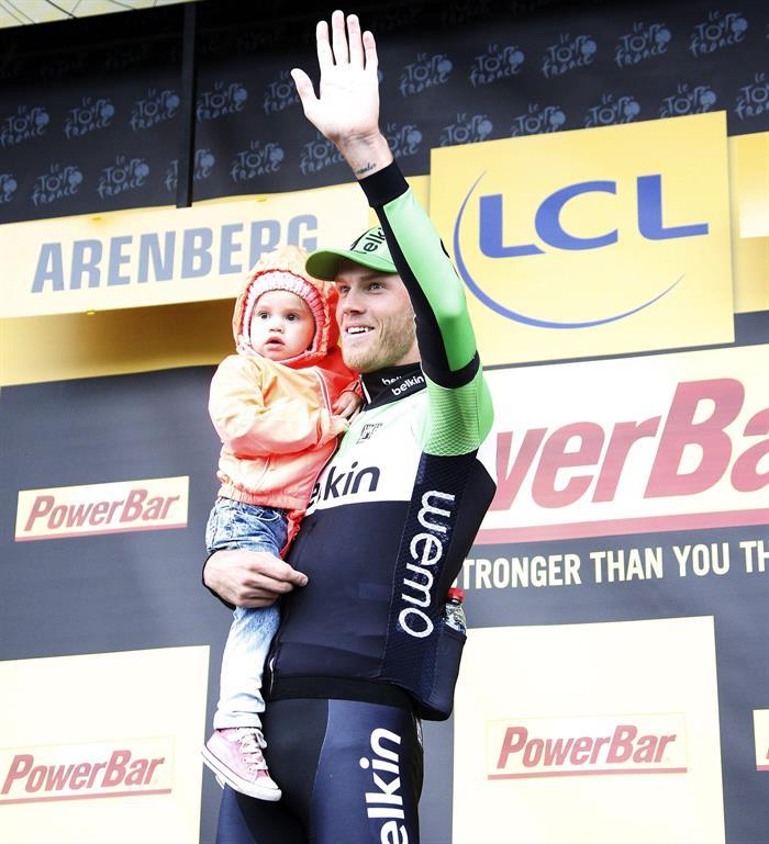 Boom gana en la etapa del pavés con Nibali como hombre fuerte