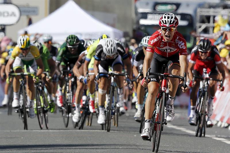 El francés Gallopin sorprende y gana en Oyonnax; Nibali sigue de líder